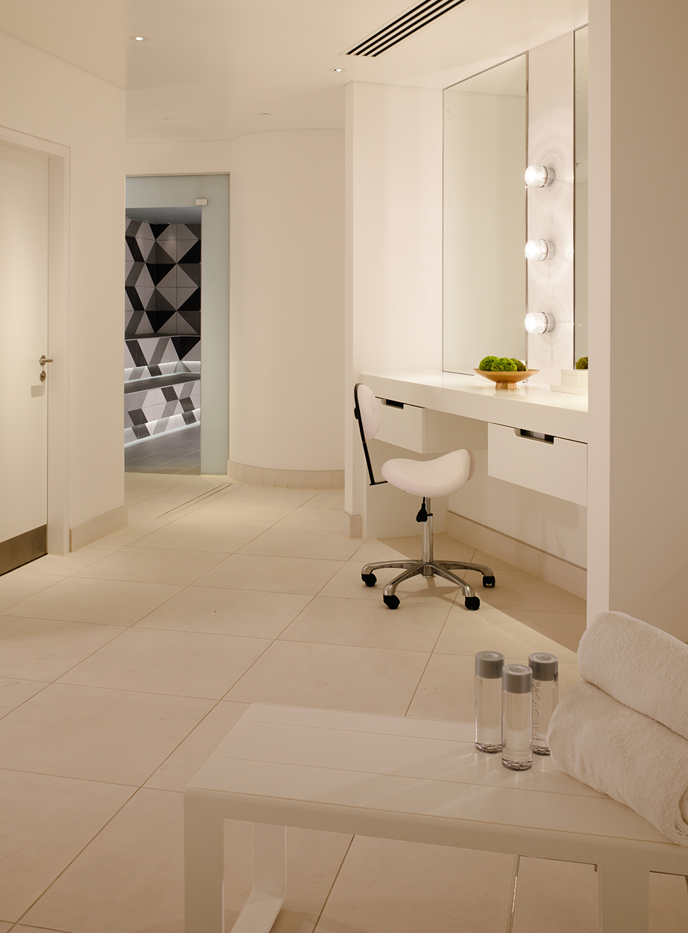 Spa changing room 2 resized.jpg