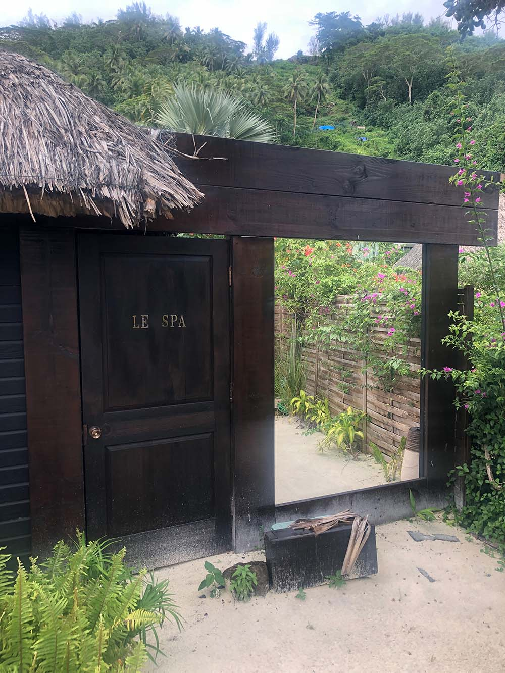Le Petit Spa Matira is located within the Coqui Coqui Boutique in Bora Bora.