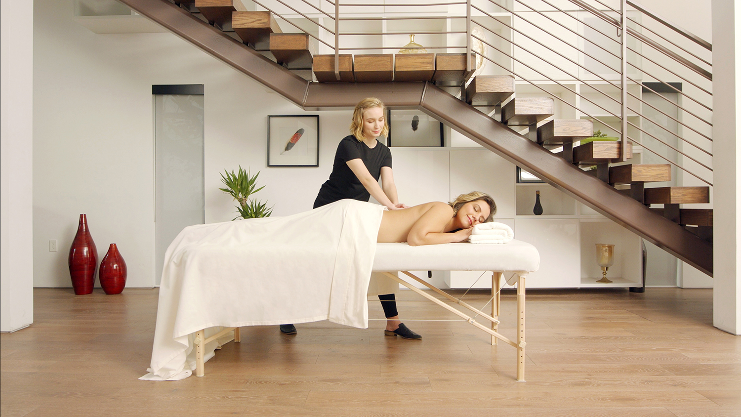 Soothe is the world's leading on-demand massage service, delivering a massage therapist to one's home or office within an hour.