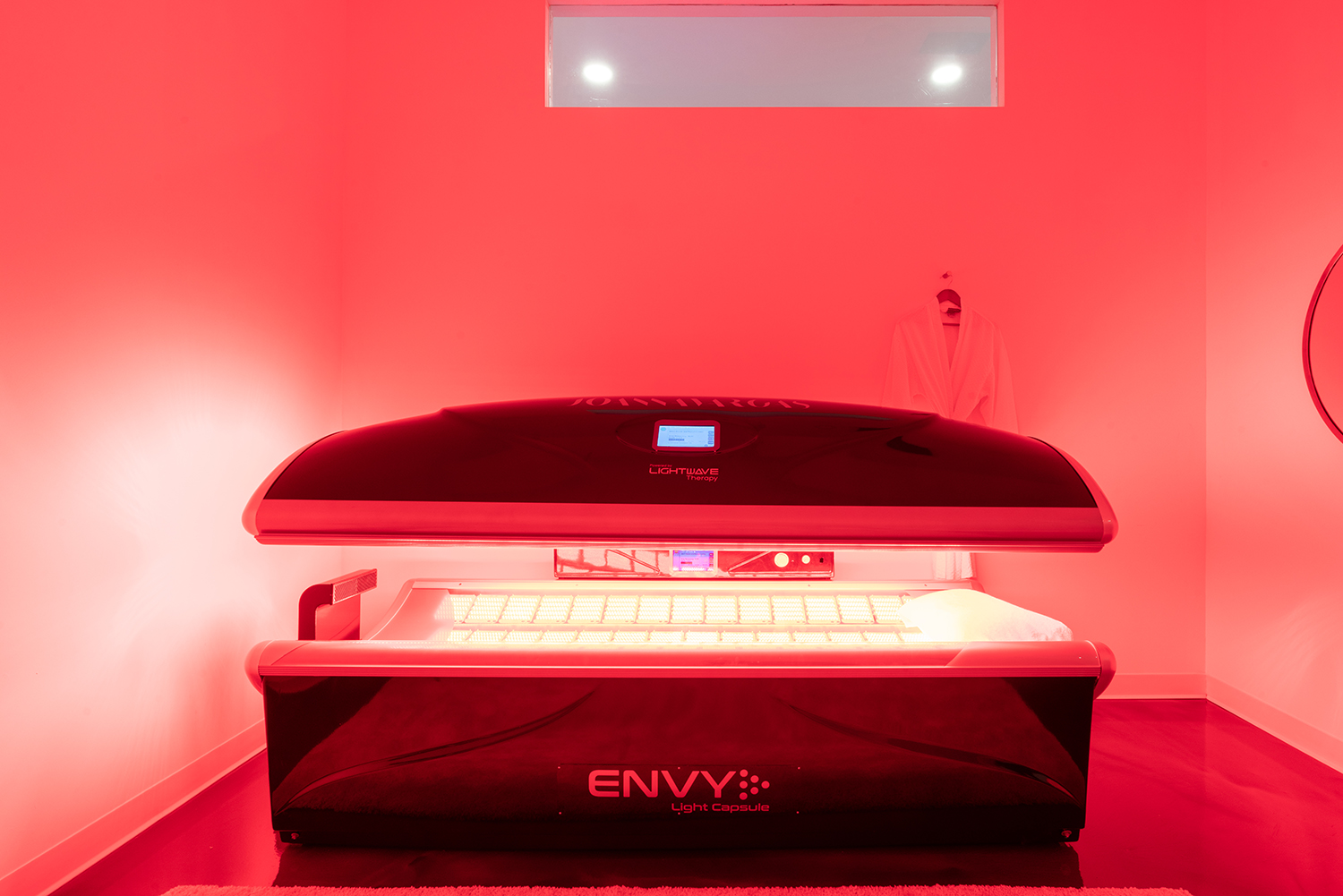 The RevitaLight Bed uses LED Lights to heal the skin at a 300% faster rate.