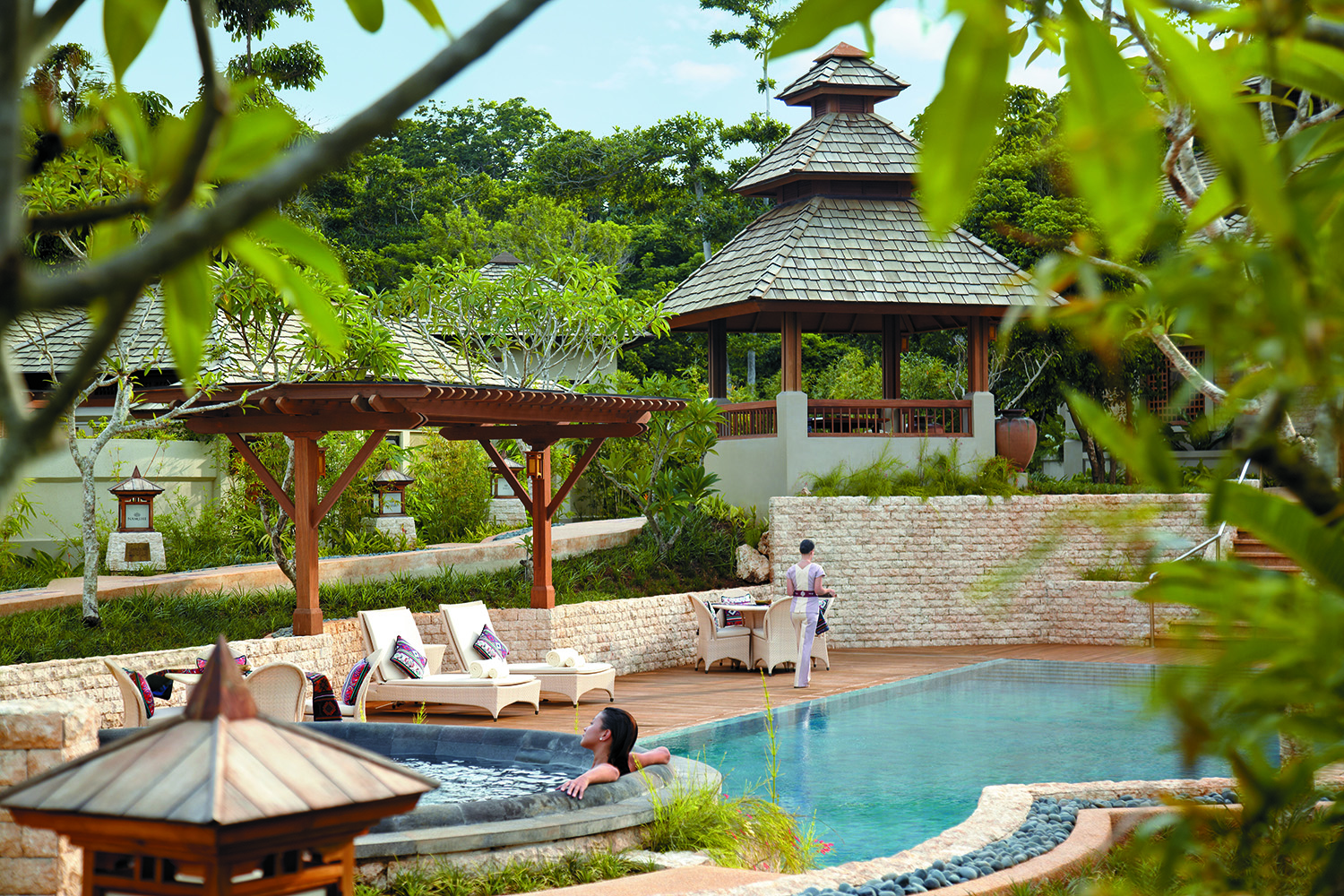 The spa's outdoor Jacuzzi and pool area.