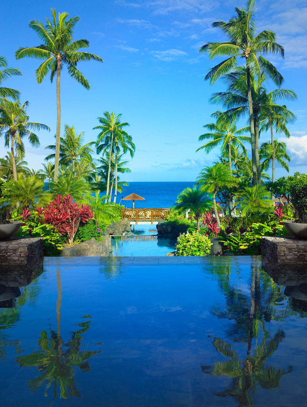 Located in the northwest part of Maui, Montage Kapalua Bay is a luxury resort set along the picturesque waters of Namalu Bay.