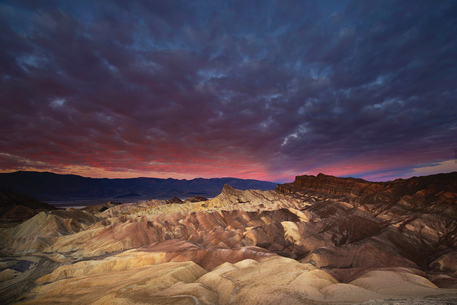 Death Valley Zabriskie Point Sunrise.jpg