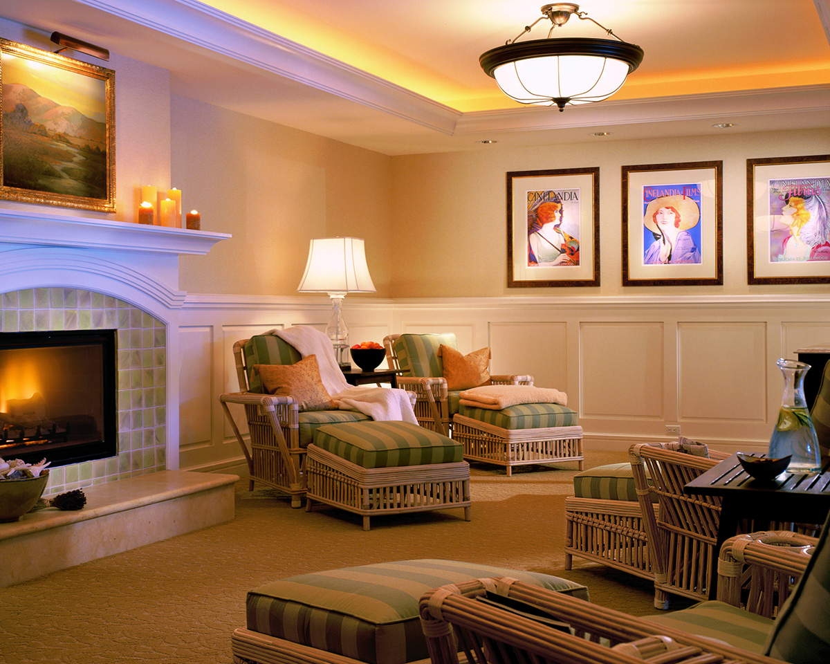 Ladies Indoor Lounge Spa Montage resized.jpg