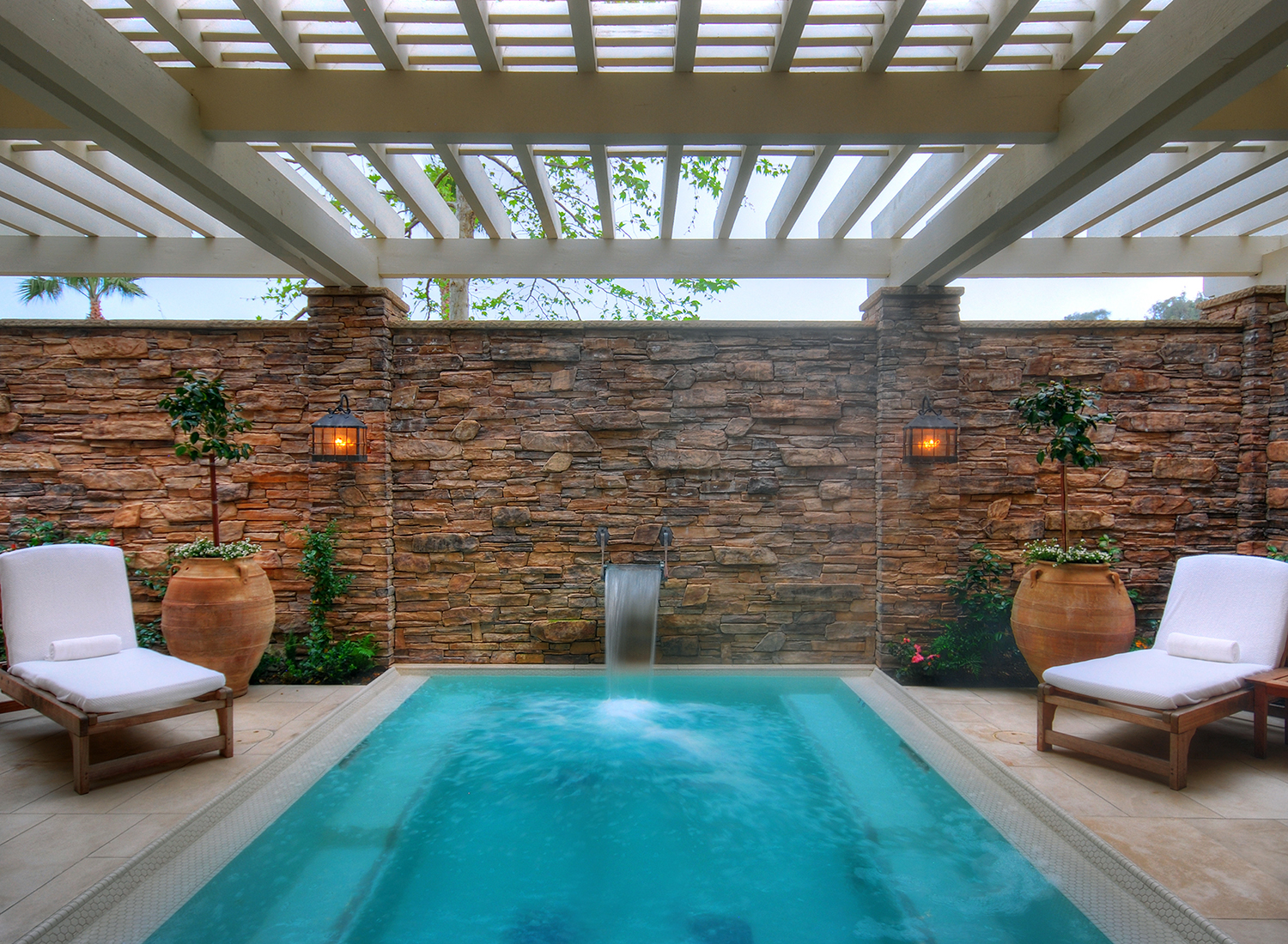 The spa pool in the wet room lounge.