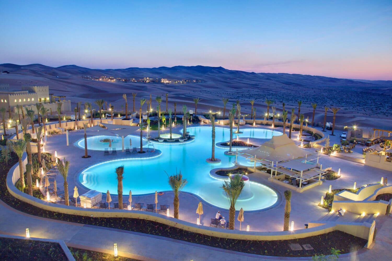 Qasr-Al-Sarab pool.jpg