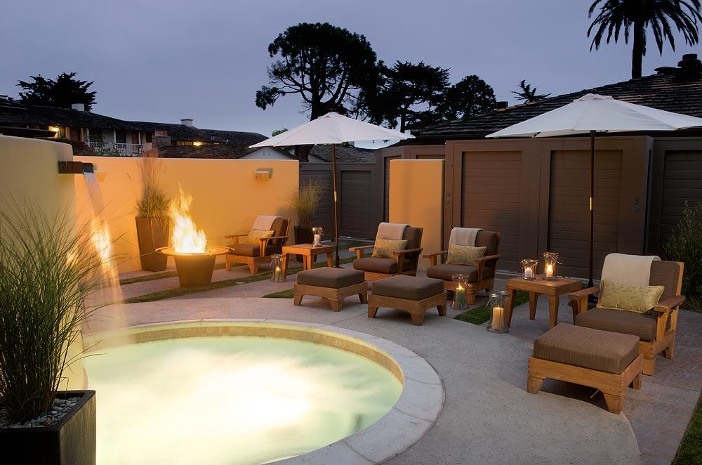 Outdoor spa garden and jacuzzi at Casa Munras Garden Hotel and Spa