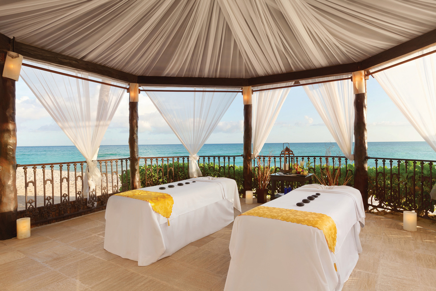 Guests can also enjoy outdoor massages at Aura Spa.