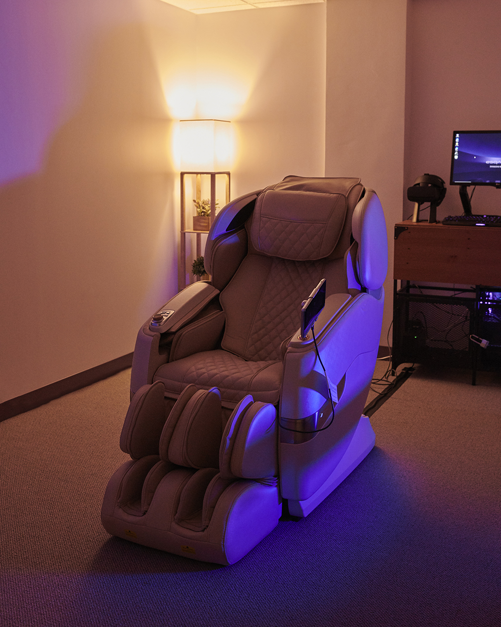 Esqapes combines automated massages with virtual reality to transport guests to a place of relaxation.