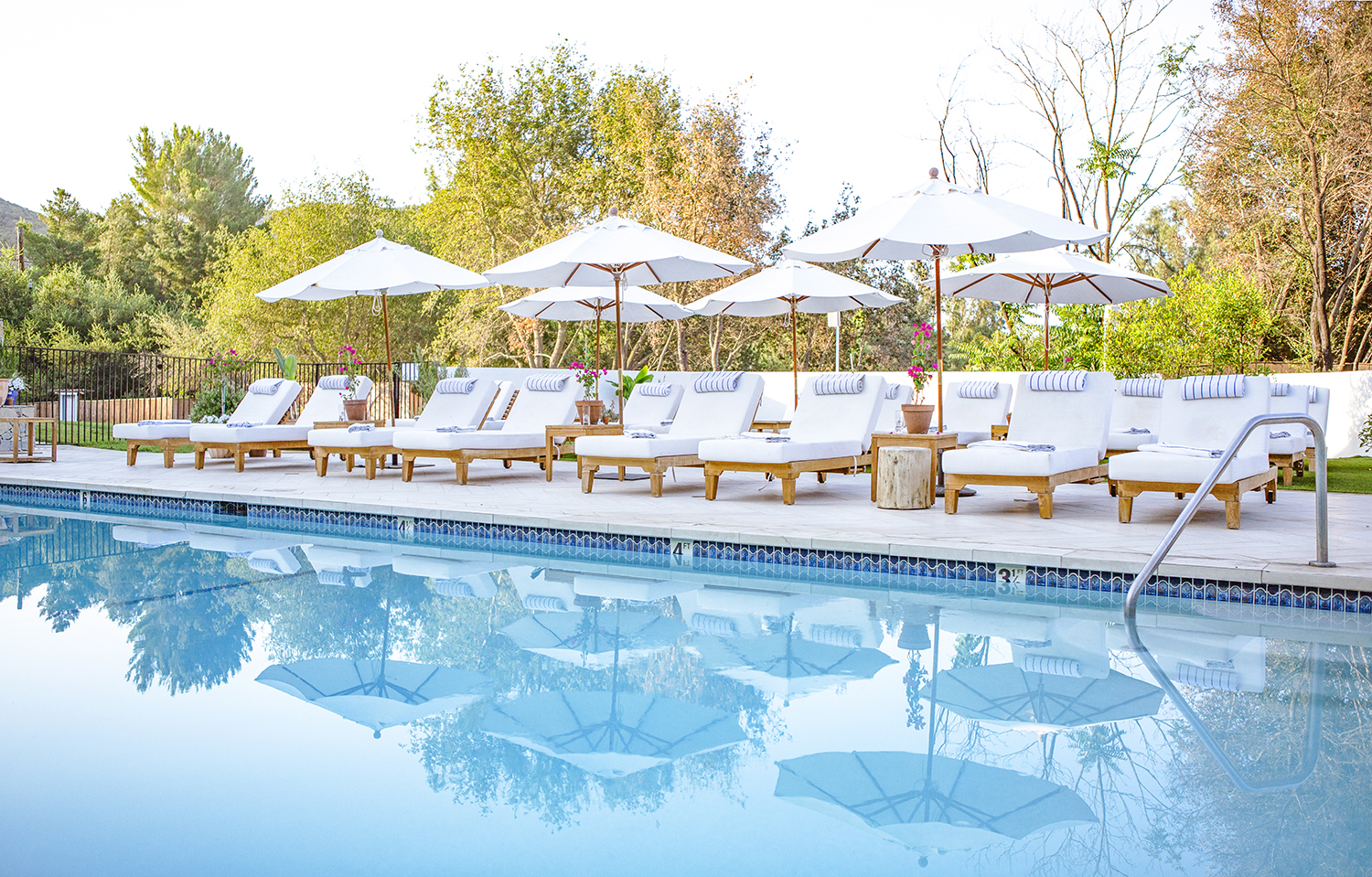 Spa guests can order lunch and drinks at the main pool.