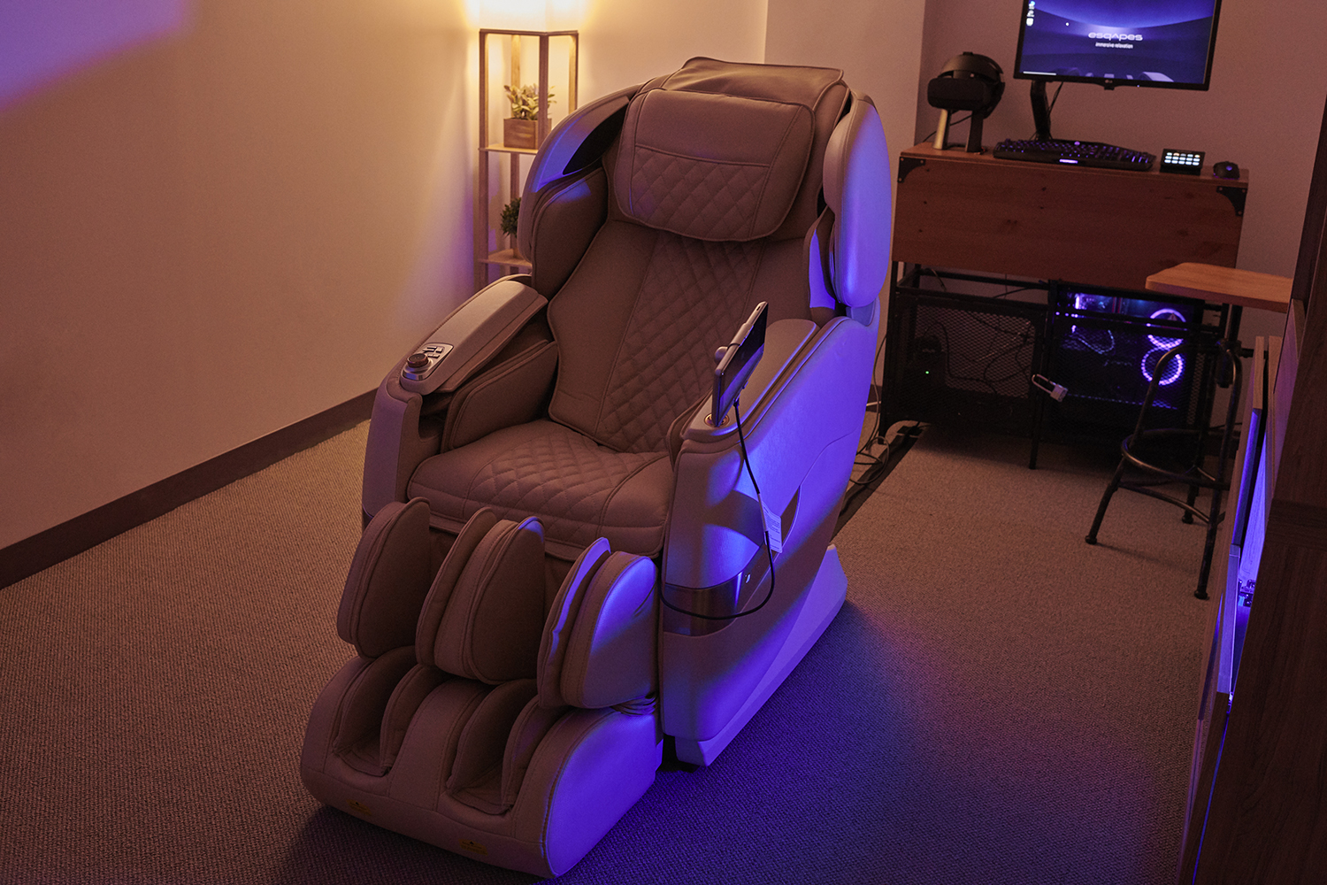 Guests enjoy programmed, automated massages during their virtual reality experience.