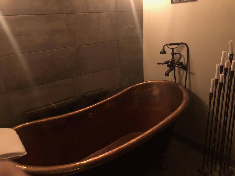 tub 2.jpg