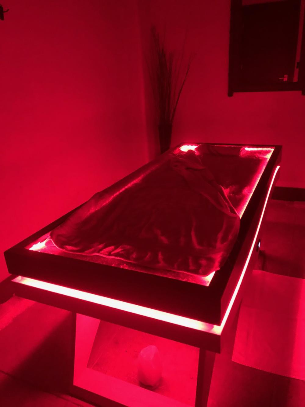 quartz bed red.jpg
