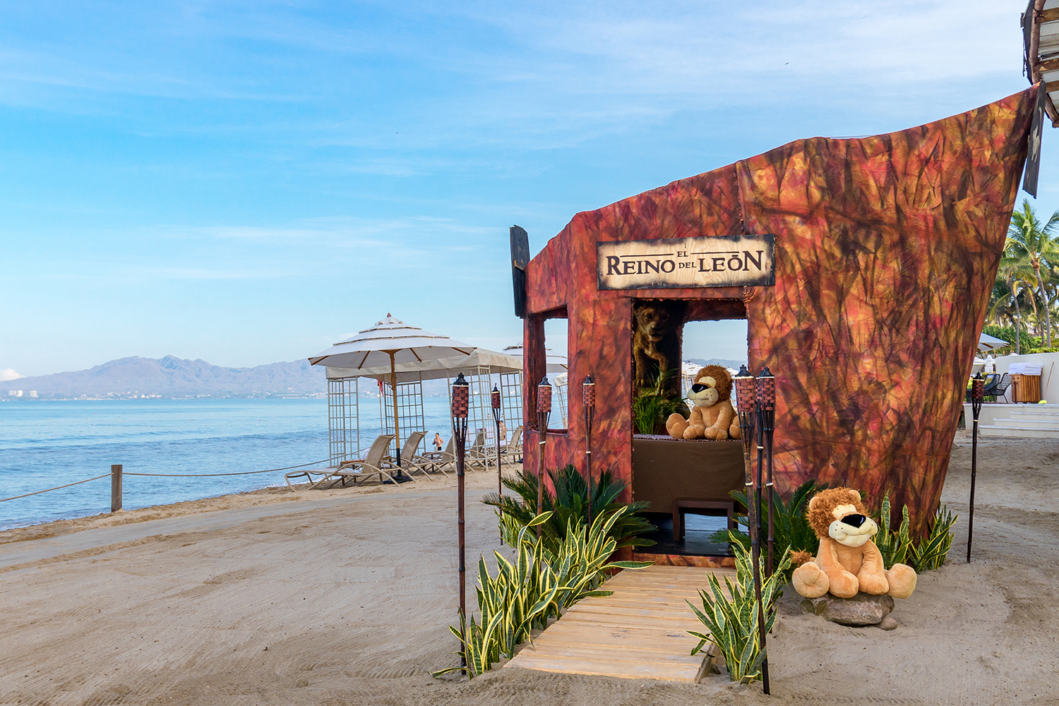Grand Velas Riviera Nayarit is offering kids ages 4-12 a Hakuna Matata Massage in an oceanfront Lion King-themed spa cabana.