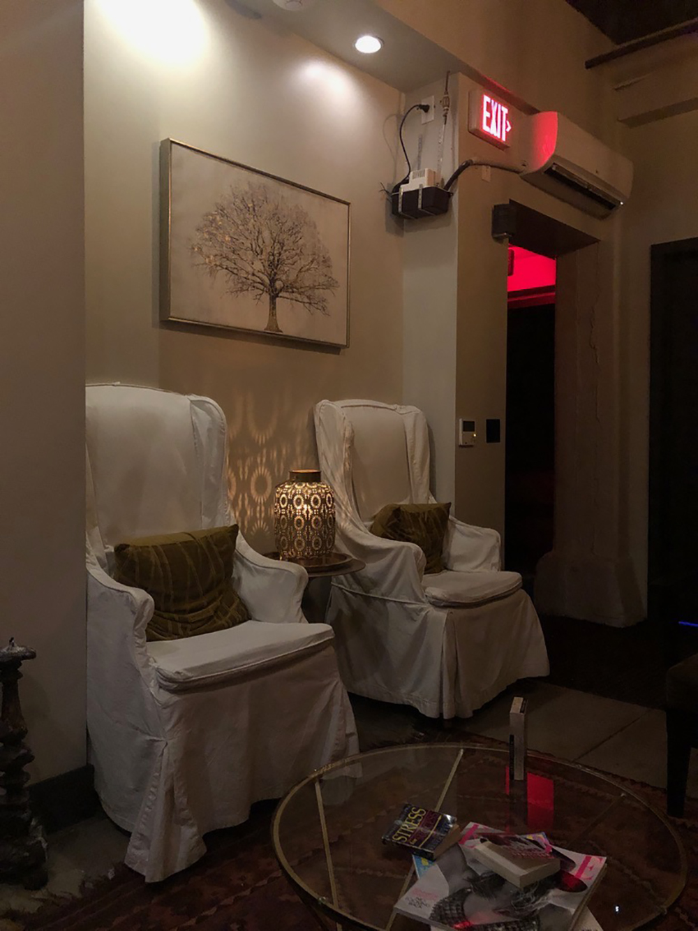 The spa has another relaxation lounge by the treatment rooms.