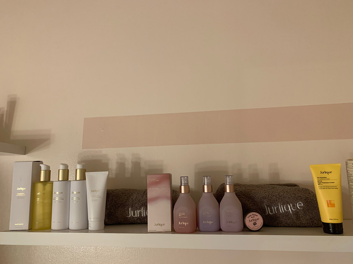 A variety of Jurlique products were used during the treatment.
