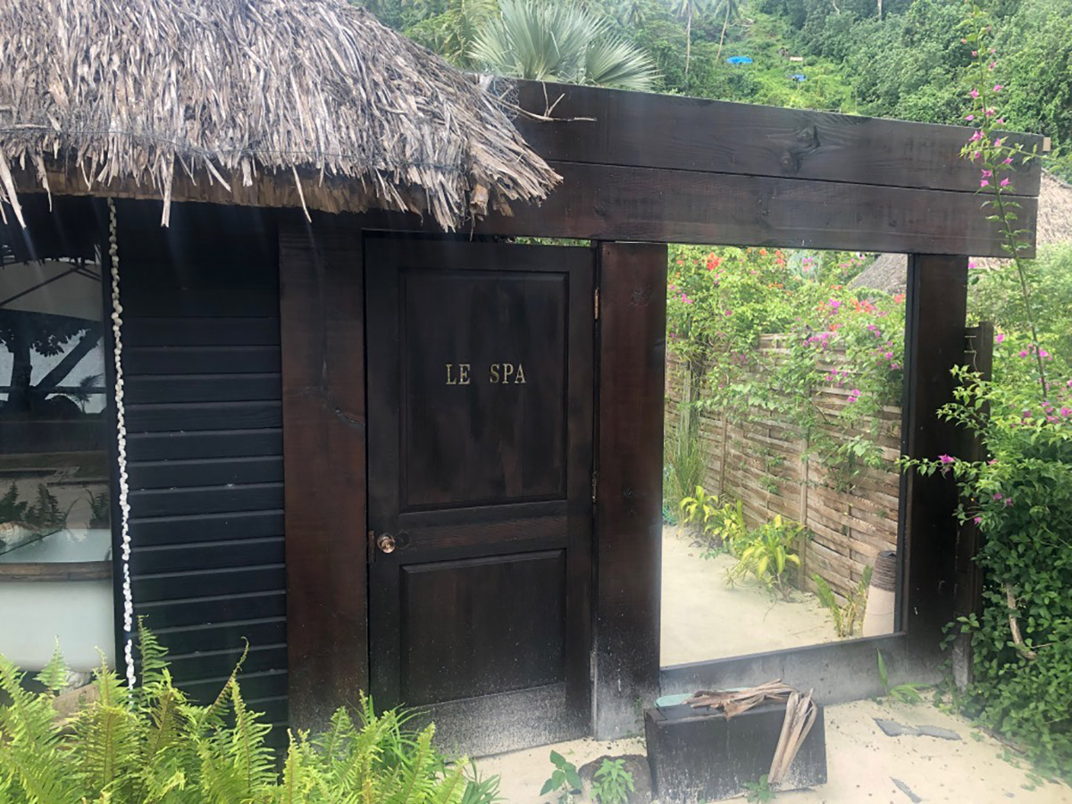 The spa is conveniently located next door to Coqui Coqui's boutique.