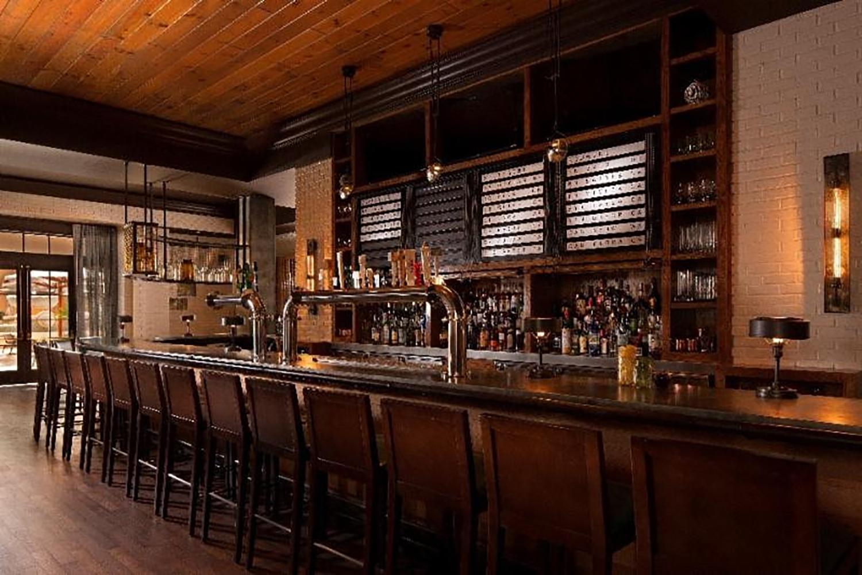 The bar at Highball Harvest at The Ritz-Carlton, Grande Lakes.