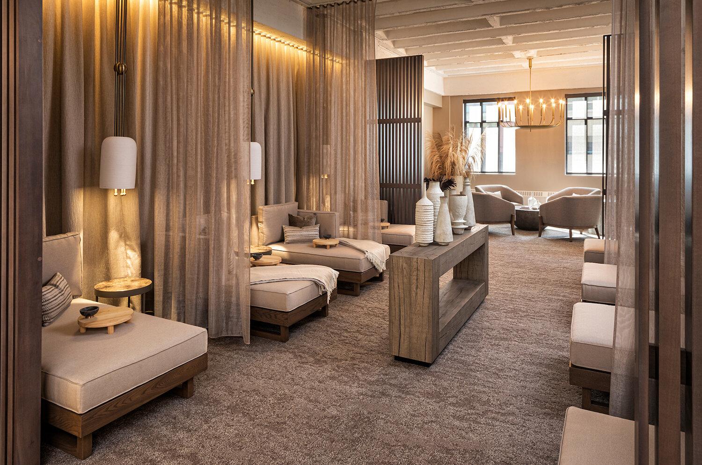 larger lounge.jpg