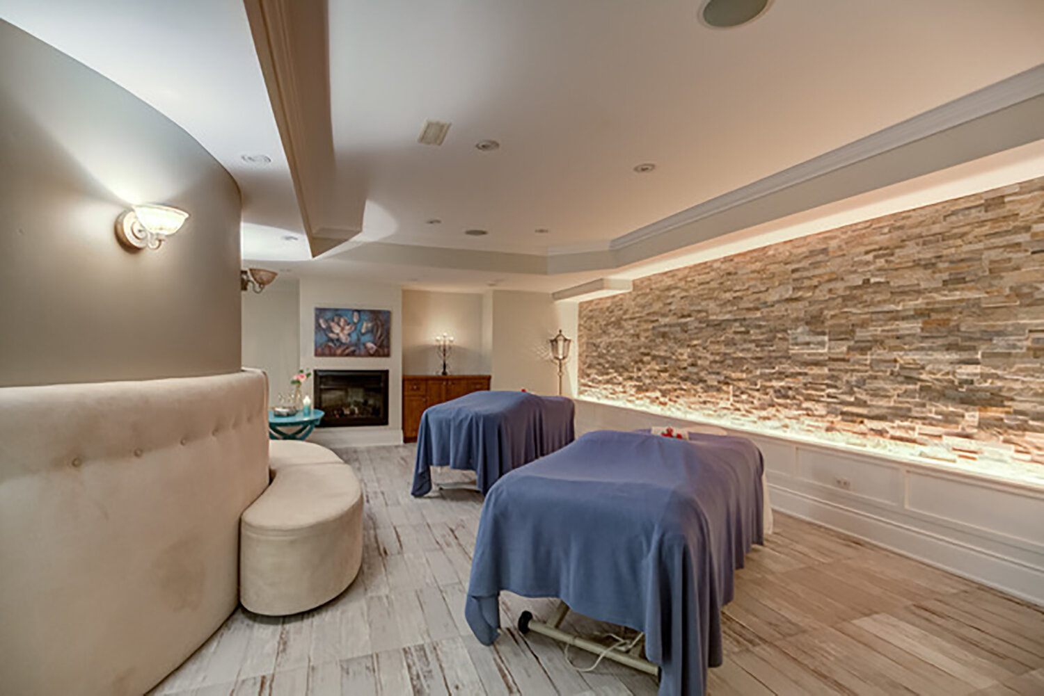 Guests can enjoy relaxing side-by-side massages in the VIP suite.
