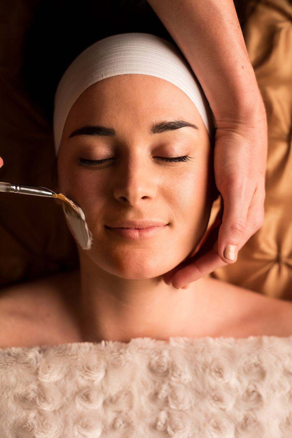 Guests can also enjoy organic facials, makeup and beauty services, and more.