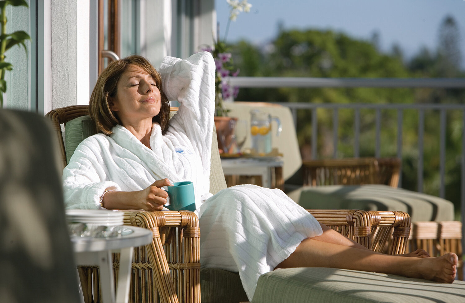 Spa Balcony woman.jpg