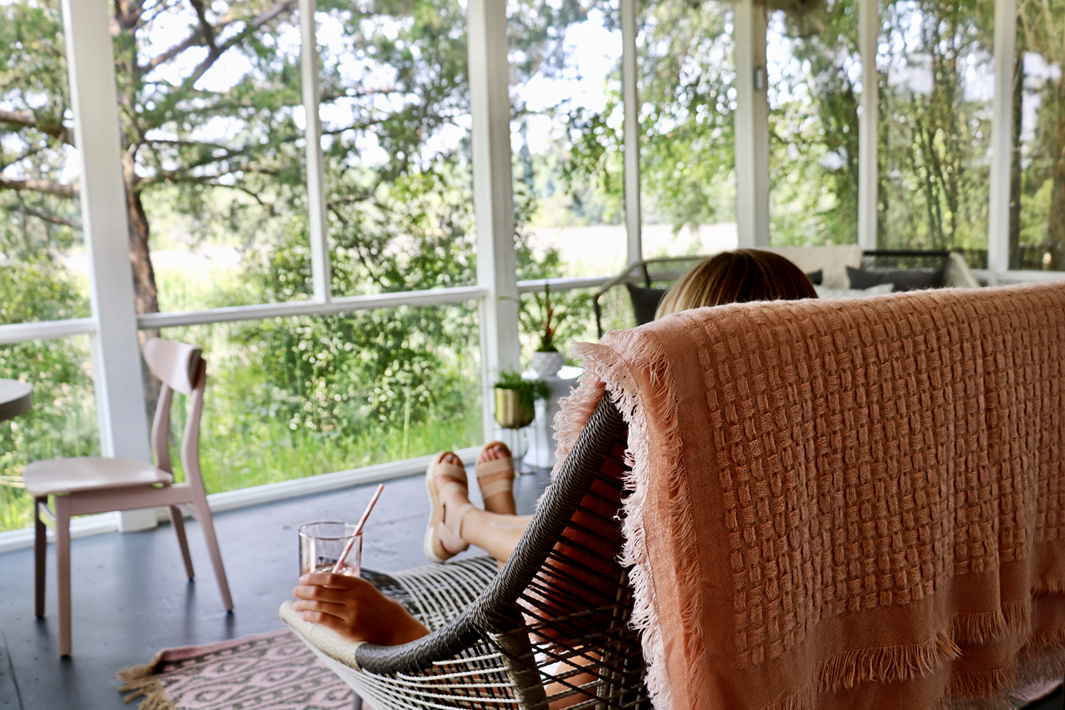 Before or after treatments, guests can relax on the back porch overlooking the unspoiled marshland.