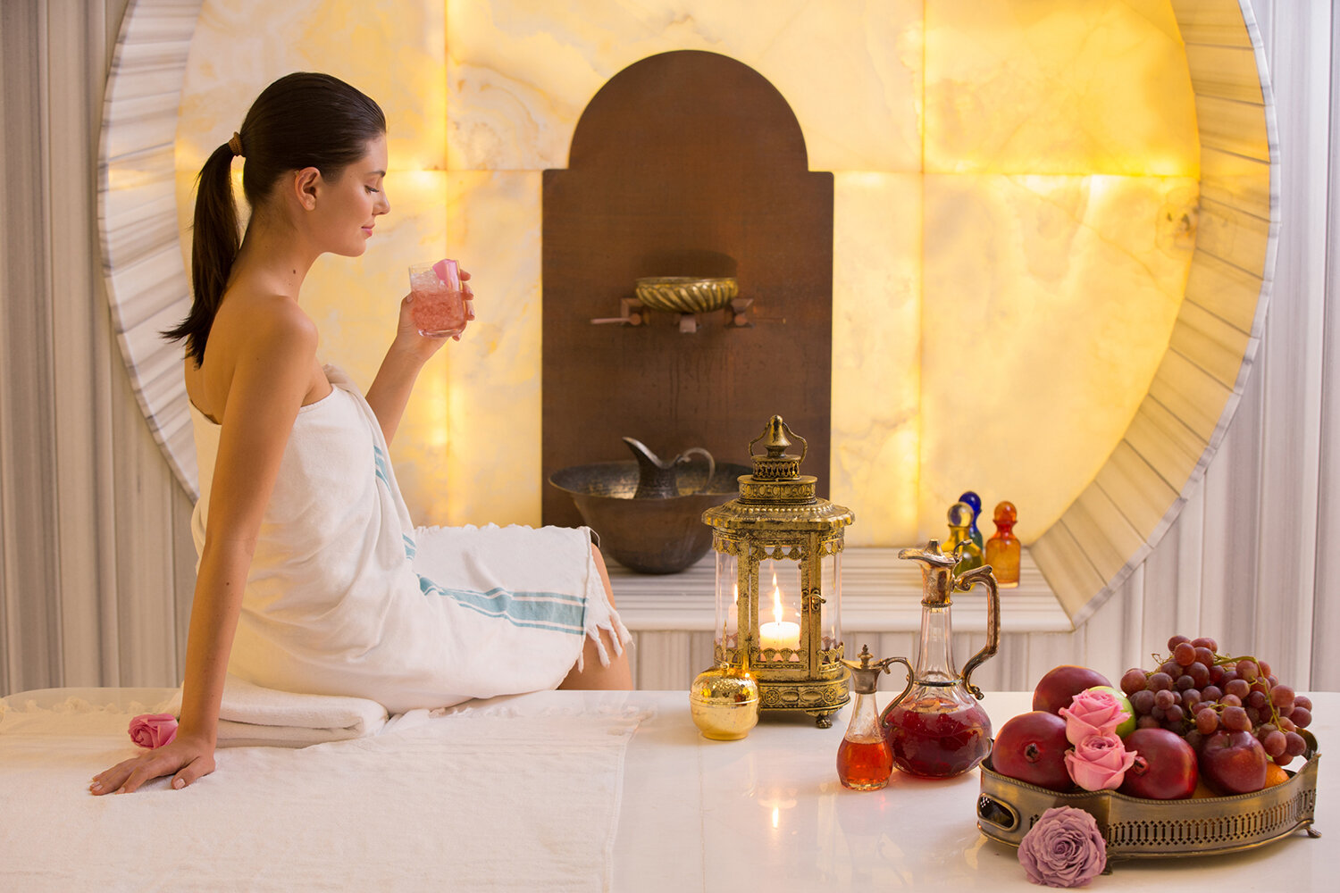 The spa serves fresh and dried fruit, nuts, a wide selection tea and coffee, and detox waters.