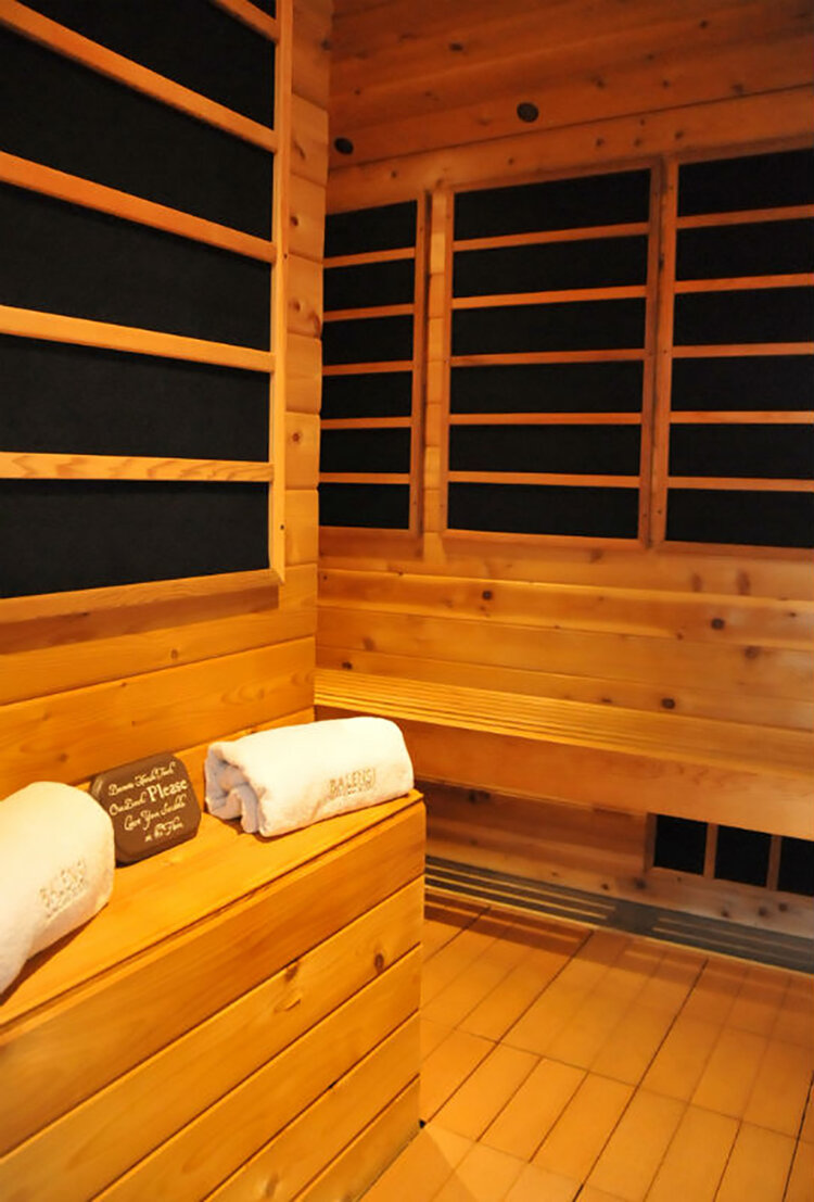 An infrared sauna is included among the amenities.