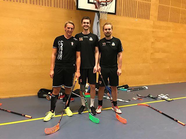 My new friends, Swedish floorball pros, love the  @accufli / @floorballplus sticks!