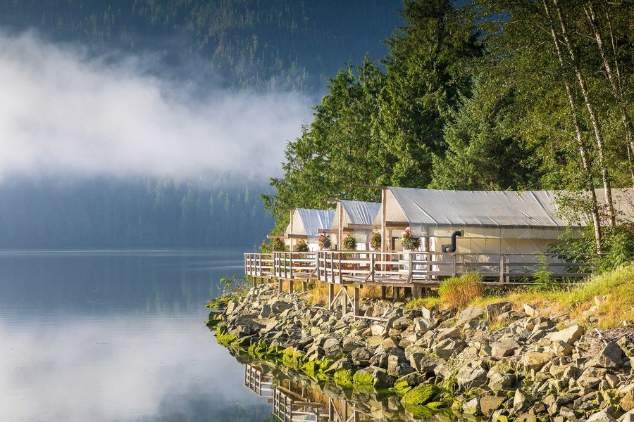 clayoquot-wilderness-resort-sunrise-waterfront-ensuite-tents-BCCONSERVE0719.jpg