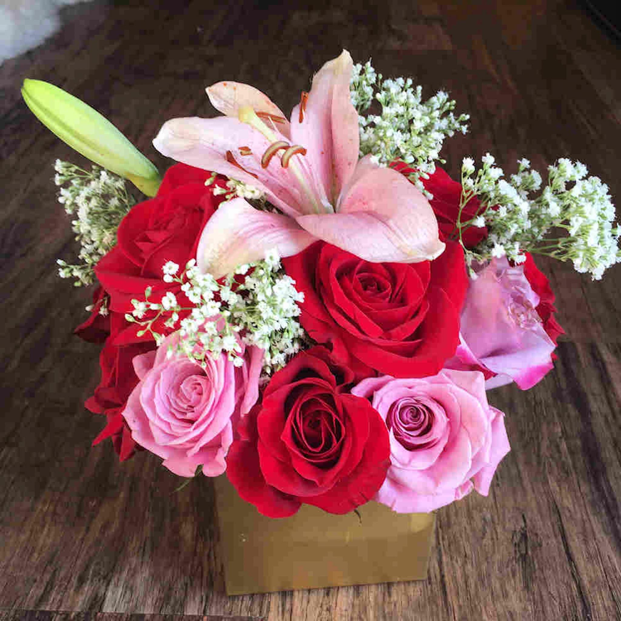 pink_red_flower_bouquet.jpg