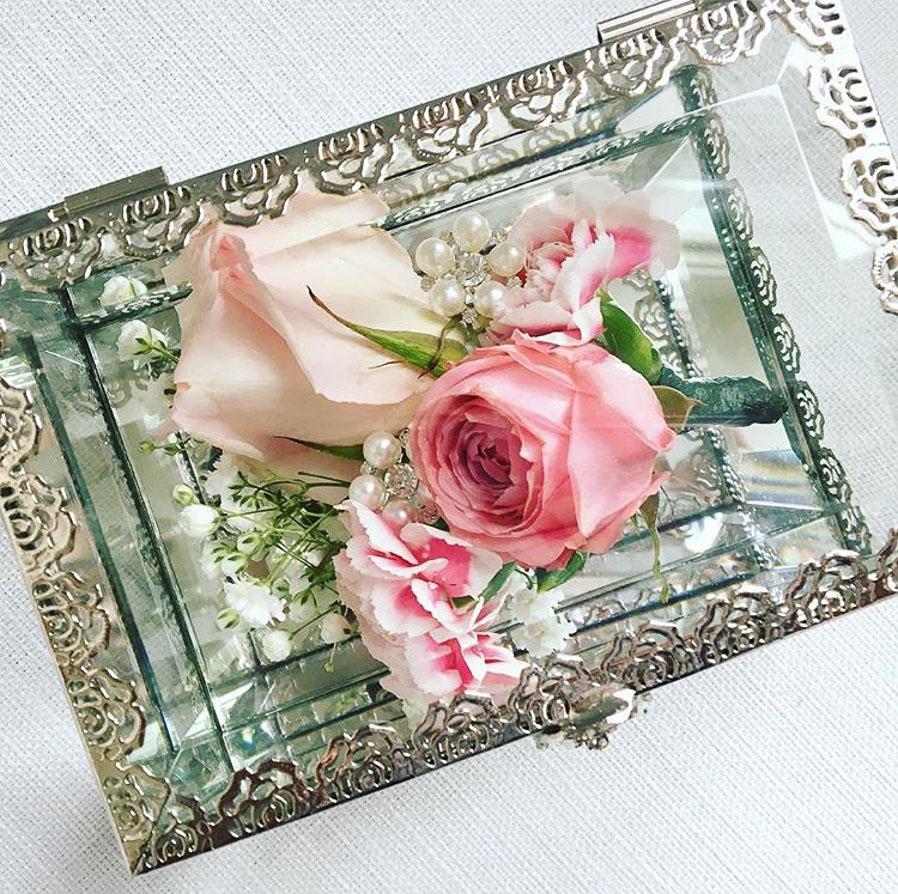 glass flower box.jpg