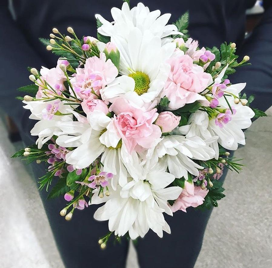 pink_white_bouquet.jpg