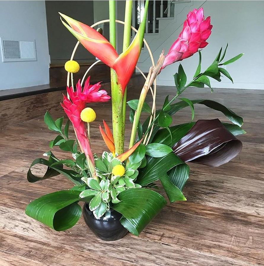 summer flower arrangement.jpg