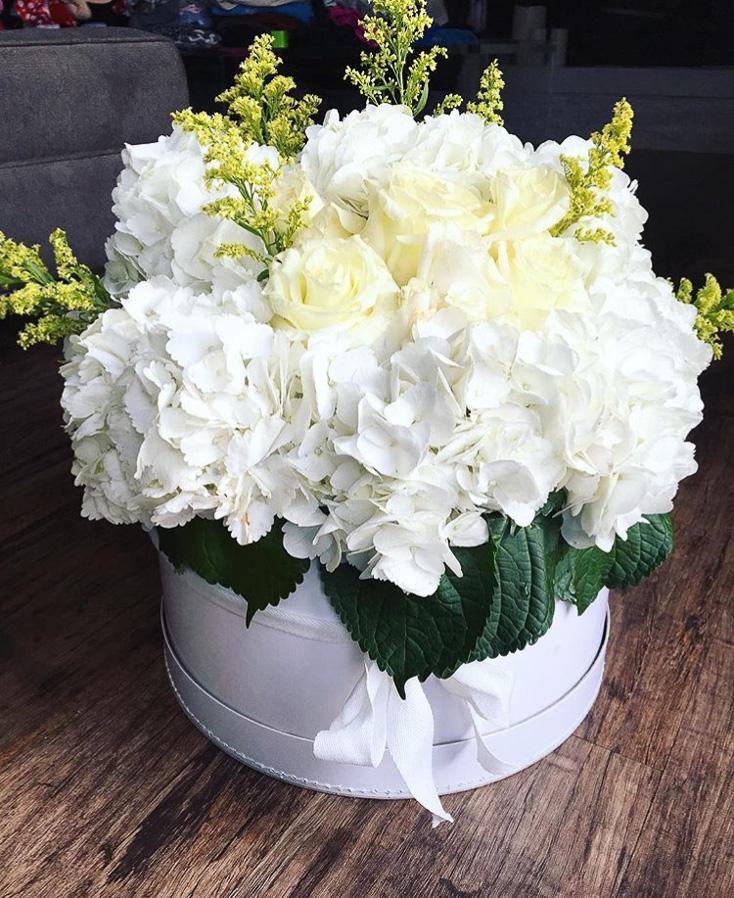 whitefloralarrangements_mckenziechic1.jpg