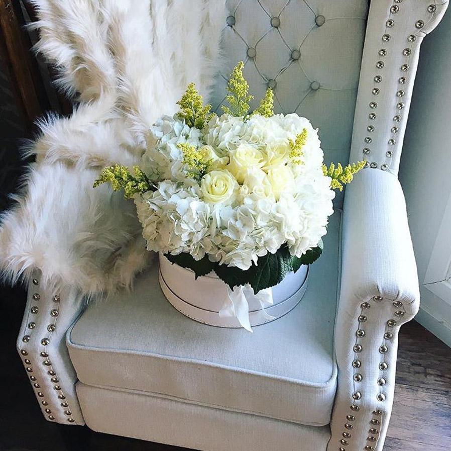 whitefloralarrangements_mckenziechic5.jpg