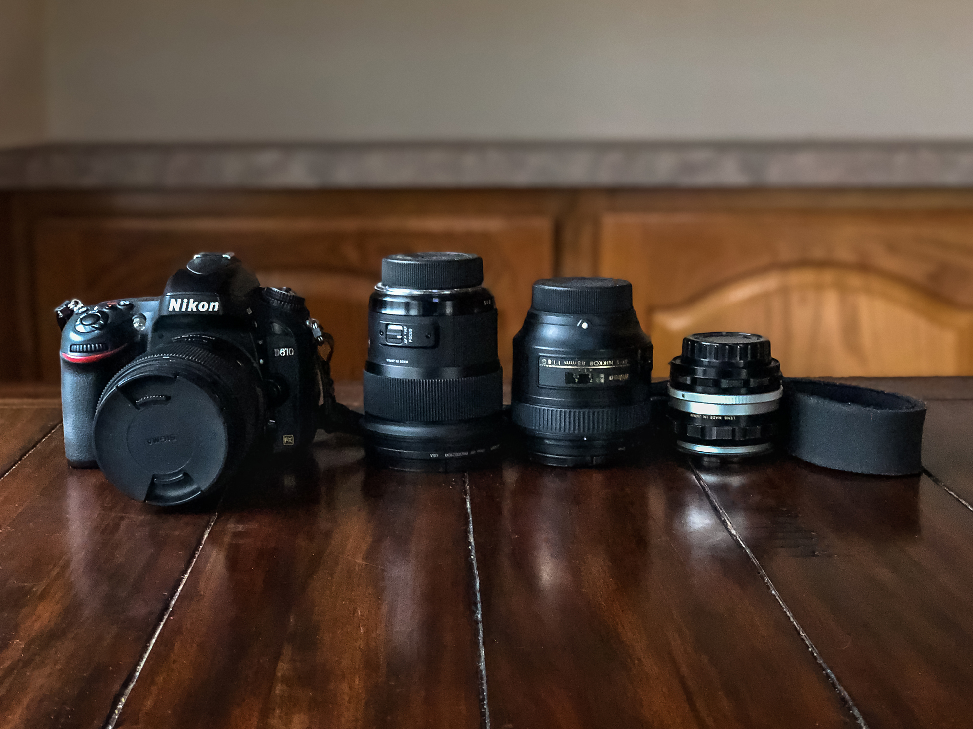 from left to right:Sigma Art 35mm 1.4 (on the camera), Sigma Art 24mm 1.4, Nikon 85mm 1.8, Vintage Nikkor 50mm (used only for freelensing and reverse macro)