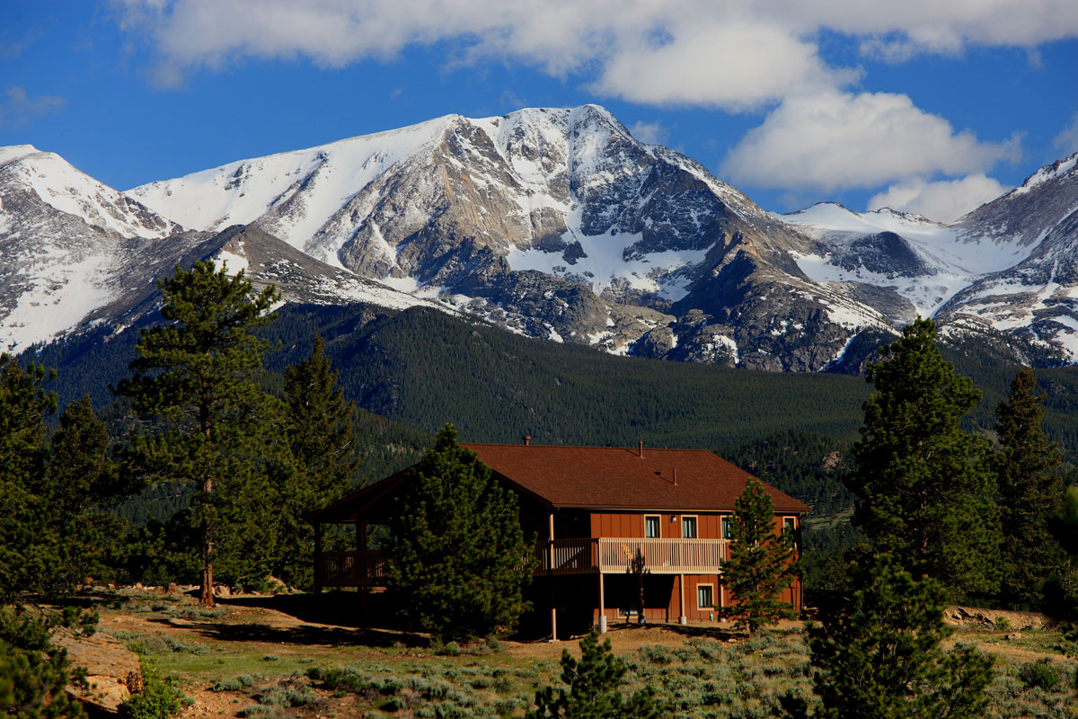 YMCA_of_the_Rockies_Cabin_cropped_0.jpg