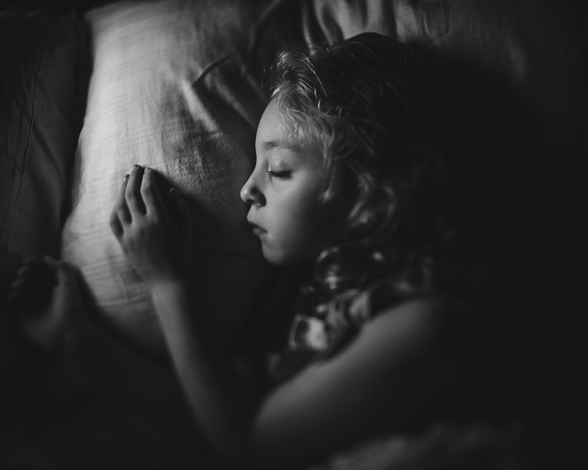 9:24pm… Sweetly dreaming 24mm freelensed, ISO 2500, 1/320s
