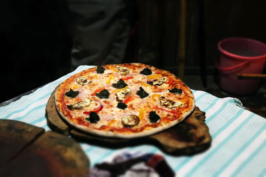 A Tavola Con Te Pizza Vegetarian.JPG