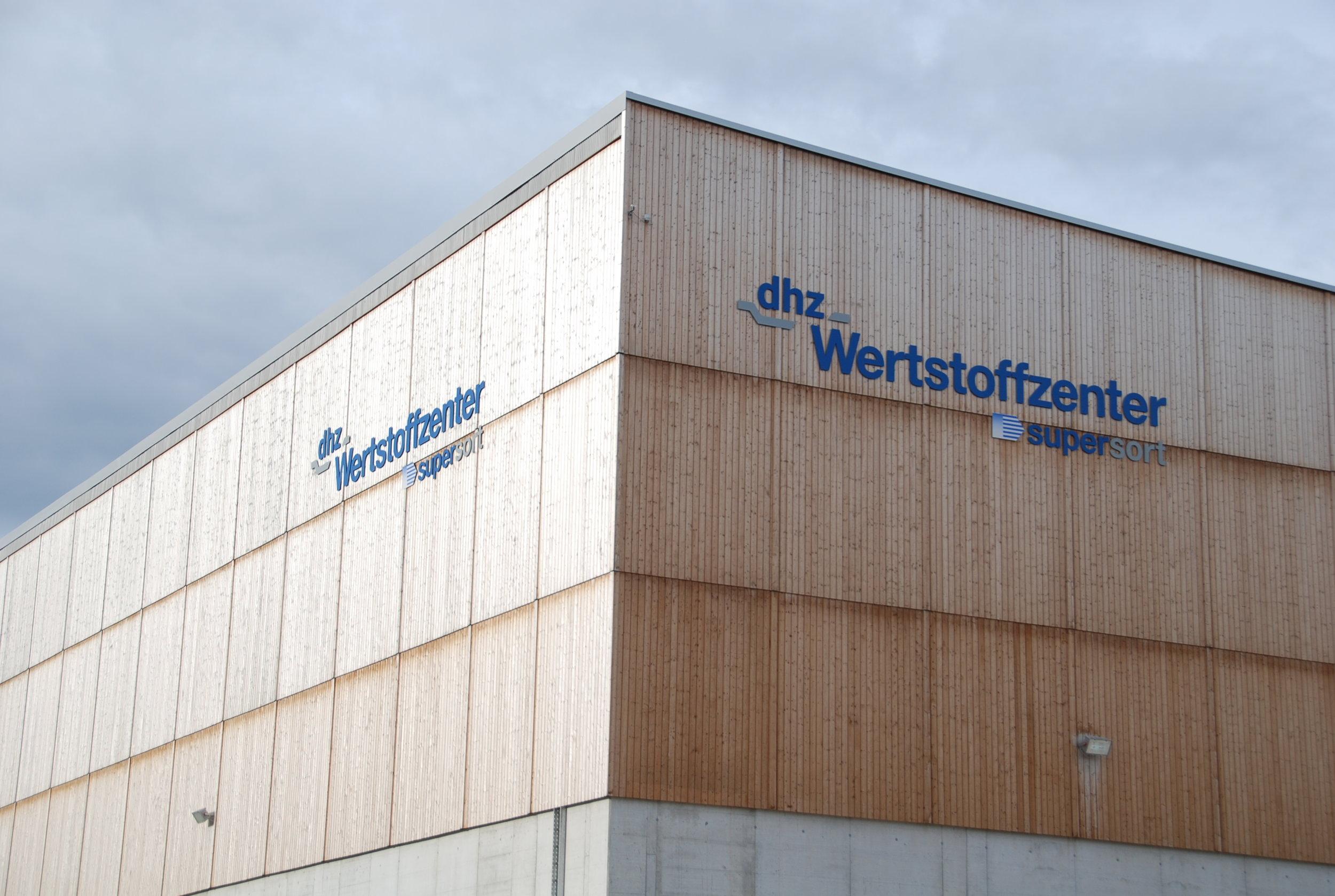 DHZ_Lufingen_Fassade.JPG