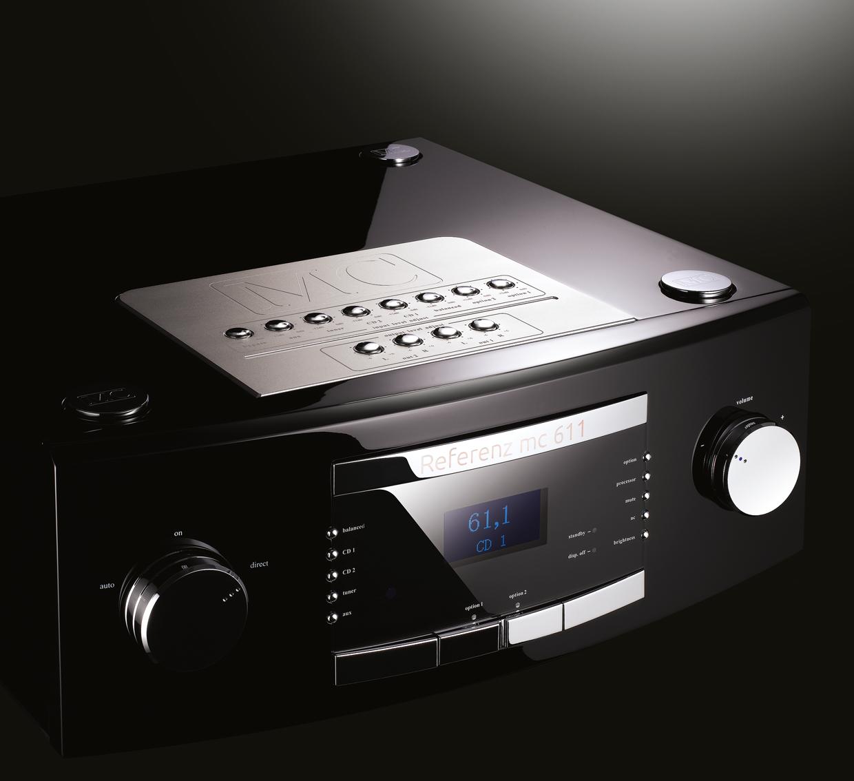 MC 611 - Preamplificatore Reference Predisposto per ospitare 2 slot opzionali per Phono e CD Direct.