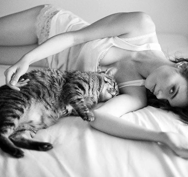 Will miss my best friend.  #catsofinstagram #cats #cat #bestfriend #london #fashion #photographer #lisbon #magnetica #magazine #online #digital #blackandwhite