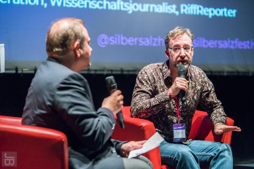 Christian Schwägerl in conversation with Nicolas Brown, director of  The Serengeti Rules . Photo:  Joachim Blobel