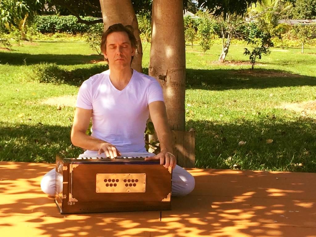 Eknath Erwin Vann (E-RYT500) - musician & yoga teacher