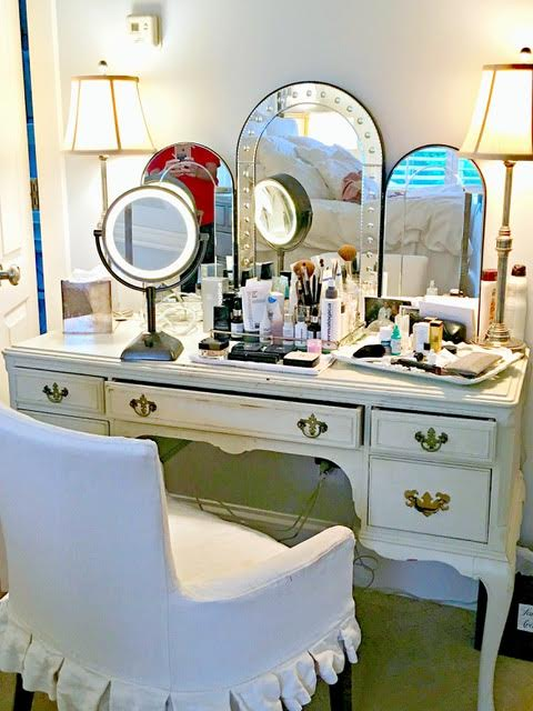 It's Skincare then Make-Up! - #SkinBabe Gwendolyn Rogers always applies her moisturizes and face oils an hour before applying her make-up to ensure they soak into her skin!