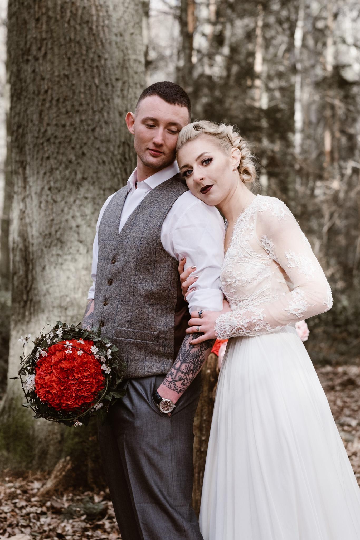 Captains-Wood-Barn-Alterative-Rustic-Vintage-Essex-Wedding-Suffolk-Grace-Elizabeth-45.jpg