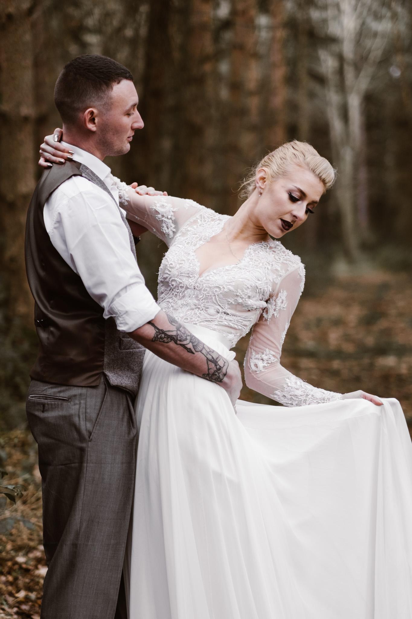 Captains-Wood-Barn-Alterative-Rustic-Vintage-Essex-Wedding-Suffolk-Grace-Elizabeth-49.jpg