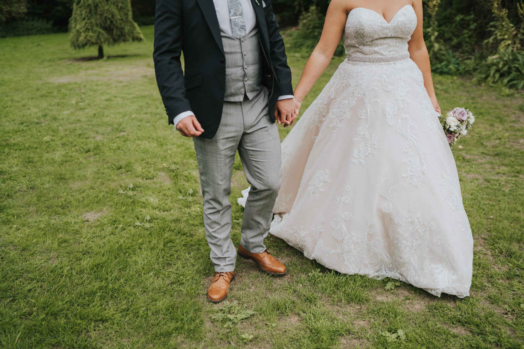 Sarah-Paul-Essex-Barn-Wedding-Previews-Grace-Elizabeth-Essex-Alternative-Wedding-Photographer-Colchester-Essex-Suffolk-Norfolk-Devon (23 of 32).jpg